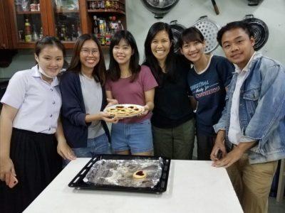 Joanna's class making valentine's cookies
